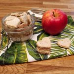 Video Ricetta biscotti per cani gluten free manzo e mela